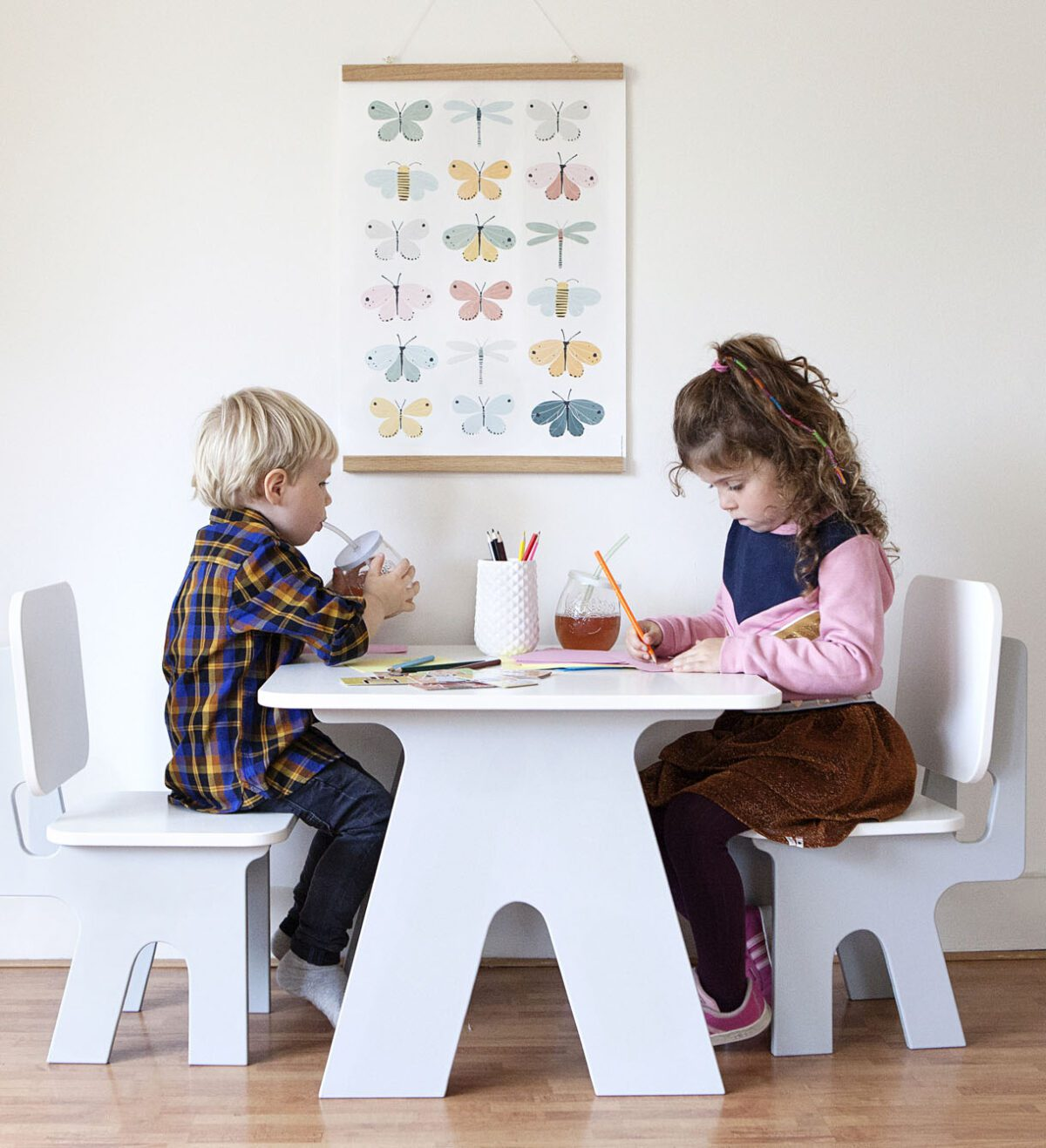 Kinderstoeltje en kindertafeltje Dipperdee sfeer