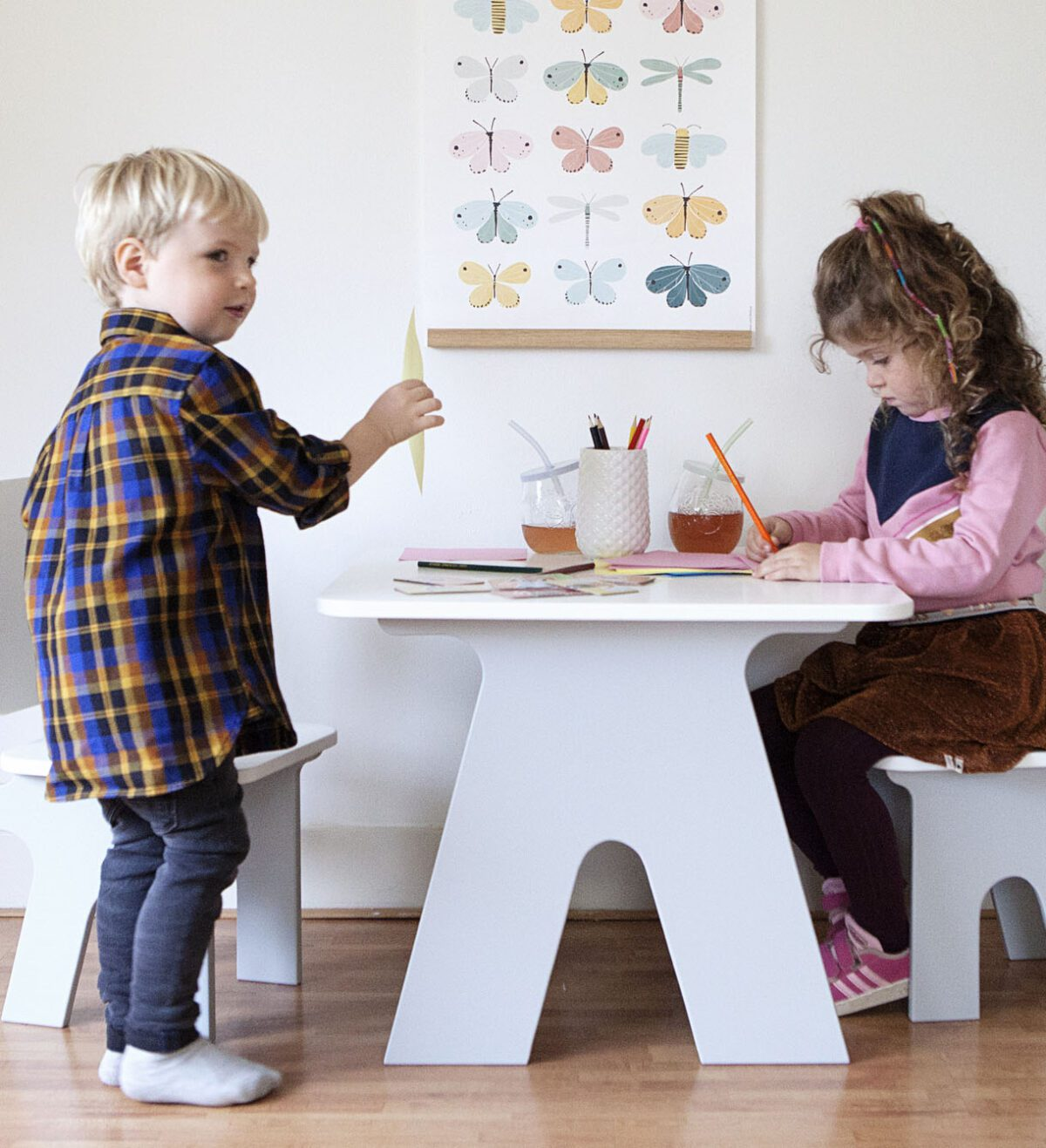 Kindertafeltje en kinderstoeltjes Dipperdee sfeer