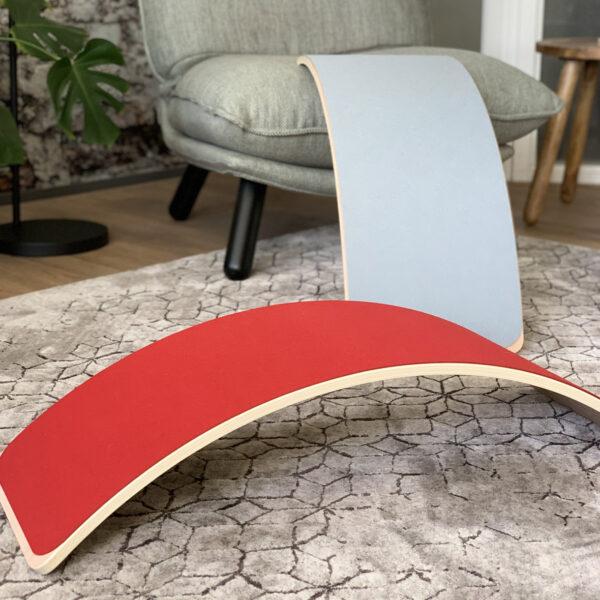Houten balance board jindl met vilt rood en grijs