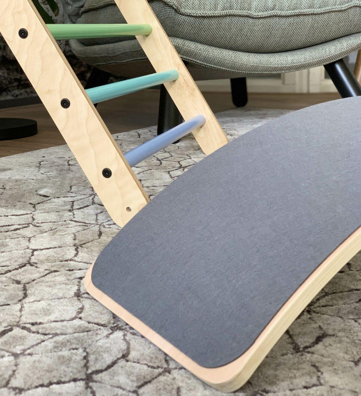 Houten balanceboard jindl vilt grijs detail