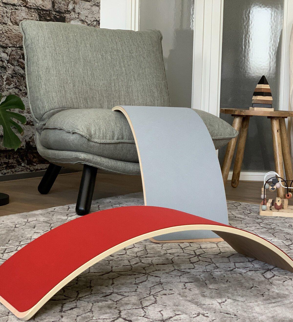 houten balance board Jindl rood grijs