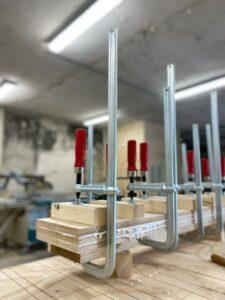 Productie houten evenwichtsbalk Jindl