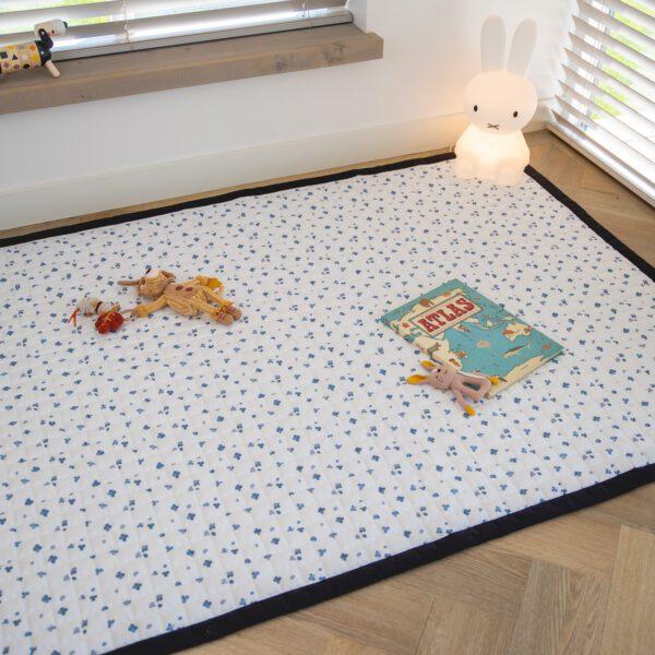 Speelkleed Love by Lily groot blauwe klavertjes slaapkamer